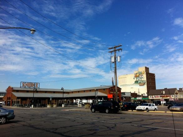 """the famous """"Eastern Market"""" in Detroit, ponto de venda de produtos agricultores locais"""
