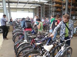leilão de bicicletas usadas