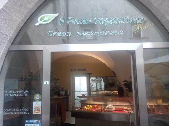 "o restaurante vegano de Merano/Meran ""il punto vegetariano"" esta aberto para almoço e a noite para jantar também."