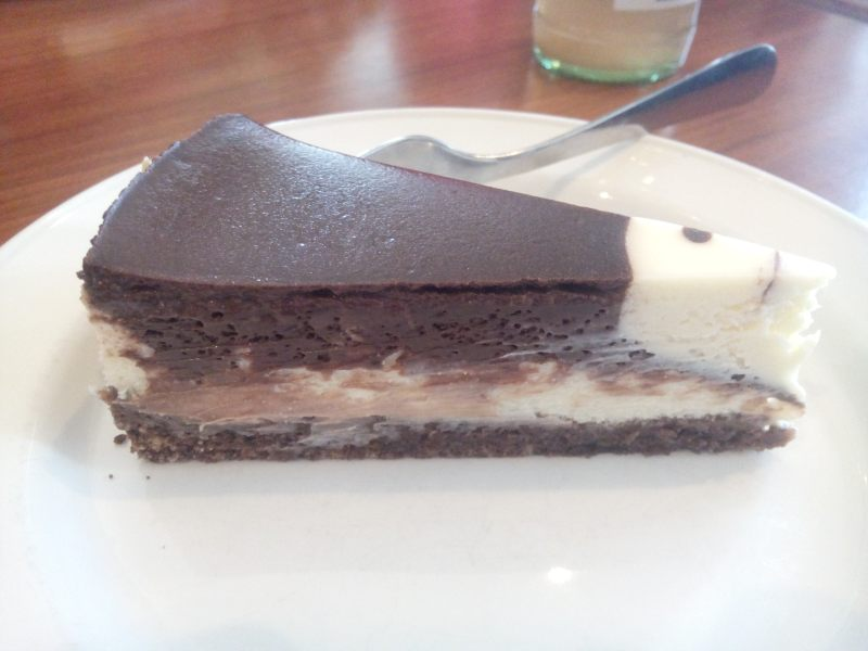 melhor cheesecake com chocolate que já comi na minha vida - juro!
