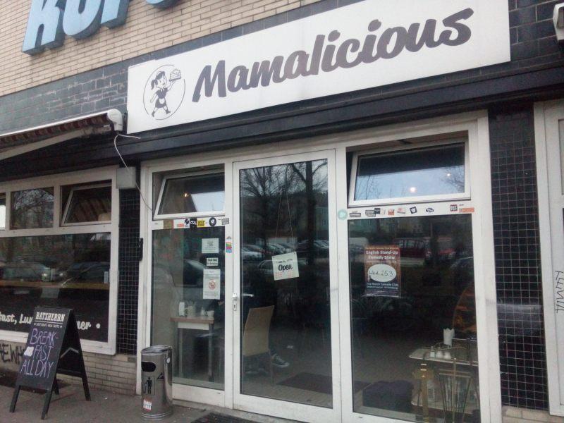 """restaurante """"Mamalicius"""" no bairro Schanzenviertel"""